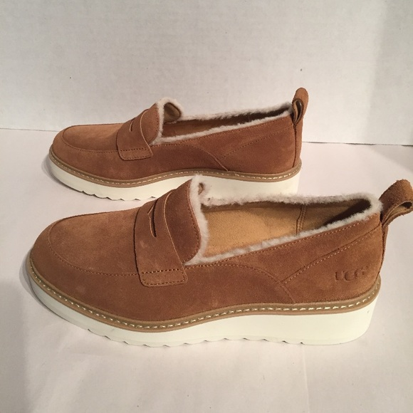 8b5844b98c4 New Women s Ugg AtWater Spill Seam Suede Loafer